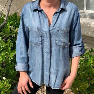 ANTHRO | Cloth and Stone Chambray Top